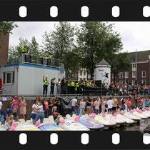 281 Amsterdam Canal Pride 2019 v.a de NH Radio Pride boot 26