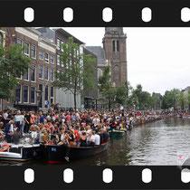 283 Amsterdam Canal Pride 2019 v.a de NH Radio Pride boot 26