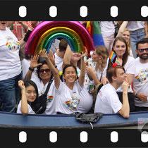 182 Amsterdam Canal Pride 2019 v.a de NH Radio Pride boot 26