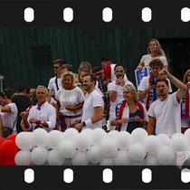 066 Amsterdam Canal Pride 2019 v.a de NH Radio Pride boot 26