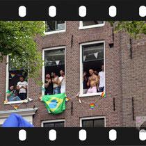 239 Amsterdam Canal Pride 2019 v.a de NH Radio Pride boot 26