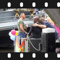 323 Amsterdam Canal Pride 2019 v.a de NH Radio Pride boot 26