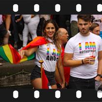 151 Amsterdam Canal Pride 2019 v.a de NH Radio Pride boot 26