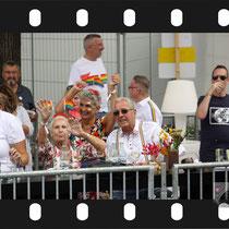 275 Amsterdam Canal Pride 2019 v.a de NH Radio Pride boot 26