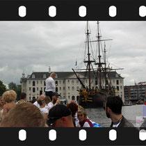068 Amsterdam Canal Pride 2019 v.a de NH Radio Pride boot 26