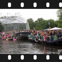 108 Amsterdam Canal Pride 2019 v.a de NH Radio Pride boot 26