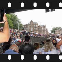 079 Amsterdam Canal Pride 2019 v.a de NH Radio Pride boot 26
