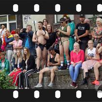 251 Amsterdam Canal Pride 2019 v.a de NH Radio Pride boot 26