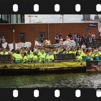 052 Amsterdam Canal Pride 2019 v.a de NH Radio Pride boot 26