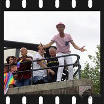 109 Amsterdam Canal Pride 2019 v.a de NH Radio Pride boot 26
