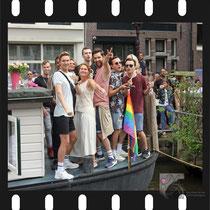 299 Amsterdam Canal Pride 2019 v.a de NH Radio Pride boot 26