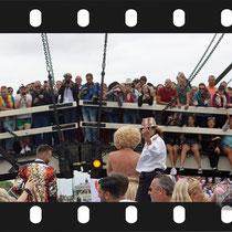 126 Amsterdam Canal Pride 2019 v.a de NH Radio Pride boot 26