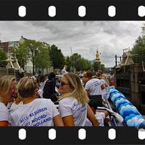 039 Amsterdam Canal Pride 2019 v.a de NH Radio Pride boot 26