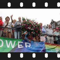 192 Amsterdam Canal Pride 2019 v.a de NH Radio Pride boot 26