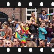 226 Amsterdam Canal Pride 2019 v.a de NH Radio Pride boot 26
