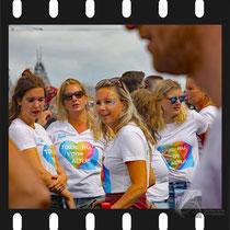 007 Amsterdam Canal Pride 2019 v.a de NH Radio Pride boot 26
