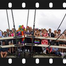 131 Amsterdam Canal Pride 2019 v.a de NH Radio Pride boot 26