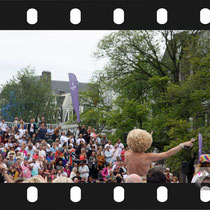 134 Amsterdam Canal Pride 2019 v.a de NH Radio Pride boot 26