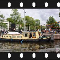 034   Amsterdam Canal Pride 2019 v.a de NH Radio Pride boot 26