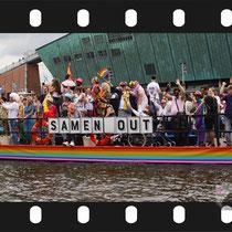 053 Amsterdam Canal Pride 2019 v.a de NH Radio Pride boot 26