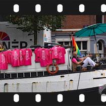 030  Amsterdam Canal Pride 2019 v.a de NH Radio Pride boot 26