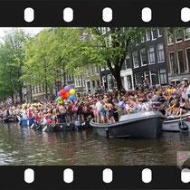 167 Amsterdam Canal Pride 2019 v.a de NH Radio Pride boot 26