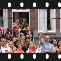 170 Amsterdam Canal Pride 2019 v.a de NH Radio Pride boot 26