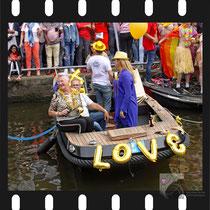 295 Amsterdam Canal Pride 2019 v.a de NH Radio Pride boot 26