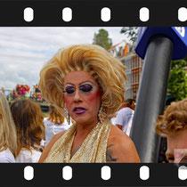 009 Amsterdam Canal Pride 2019 v.a de NH Radio Pride boot 26