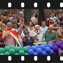 184 Amsterdam Canal Pride 2019 v.a de NH Radio Pride boot 26