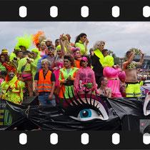 054 382019  Amsterdam Canal Pride 2019 v.a de NH Radio Pride boot 26