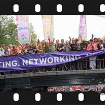 252 Amsterdam Canal Pride 2019 v.a de NH Radio Pride boot 26