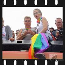 089 Amsterdam Canal Pride 2019 v.a de NH Radio Pride boot 26