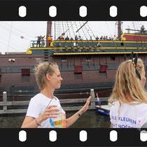 072 Amsterdam Canal Pride 2019 v.a de NH Radio Pride boot 26