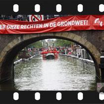328 Amsterdam Canal Pride 2019 v.a de NH Radio Pride boot 26