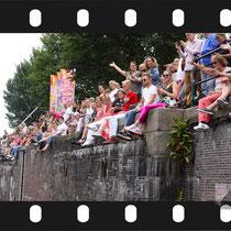 085 Amsterdam Canal Pride 2019 v.a de NH Radio Pride boot 26