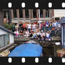 140 Amsterdam Canal Pride 2019 v.a de NH Radio Pride boot 26