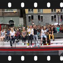 291 Amsterdam Canal Pride 2019 v.a de NH Radio Pride boot 26