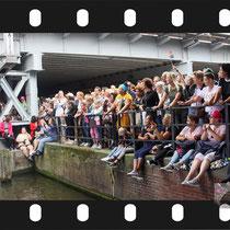 338 Amsterdam Canal Pride 2019 v.a de NH Radio Pride boot 26