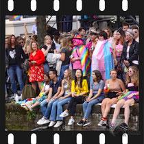 145 Amsterdam Canal Pride 2019 v.a de NH Radio Pride boot 26