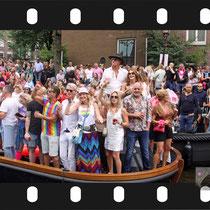 227 Amsterdam Canal Pride 2019 v.a de NH Radio Pride boot 26