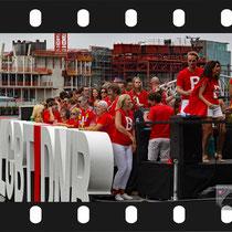 058 Amsterdam Canal Pride 2019 v.a de NH Radio Pride boot 26