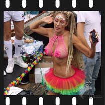 209 Amsterdam Canal Pride 2019 v.a de NH Radio Pride boot 26