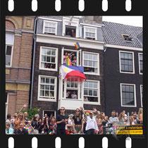 235 Amsterdam Canal Pride 2019 v.a de NH Radio Pride boot 26