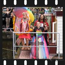 298 Amsterdam Canal Pride 2019 v.a de NH Radio Pride boot 26