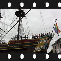 073 Amsterdam Canal Pride 2019 v.a de NH Radio Pride boot 26