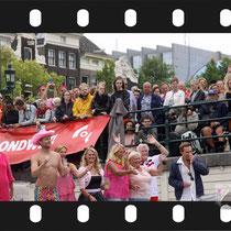 127 Amsterdam Canal Pride 2019 v.a de NH Radio Pride boot 26