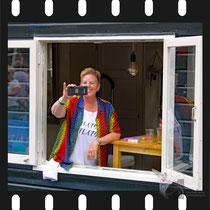 139 Amsterdam Canal Pride 2019 v.a de NH Radio Pride boot 26
