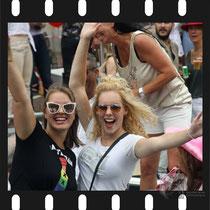 198 Amsterdam Canal Pride 2019 v.a de NH Radio Pride boot 26