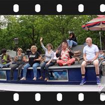 156 Amsterdam Canal Pride 2019 v.a de NH Radio Pride boot 26